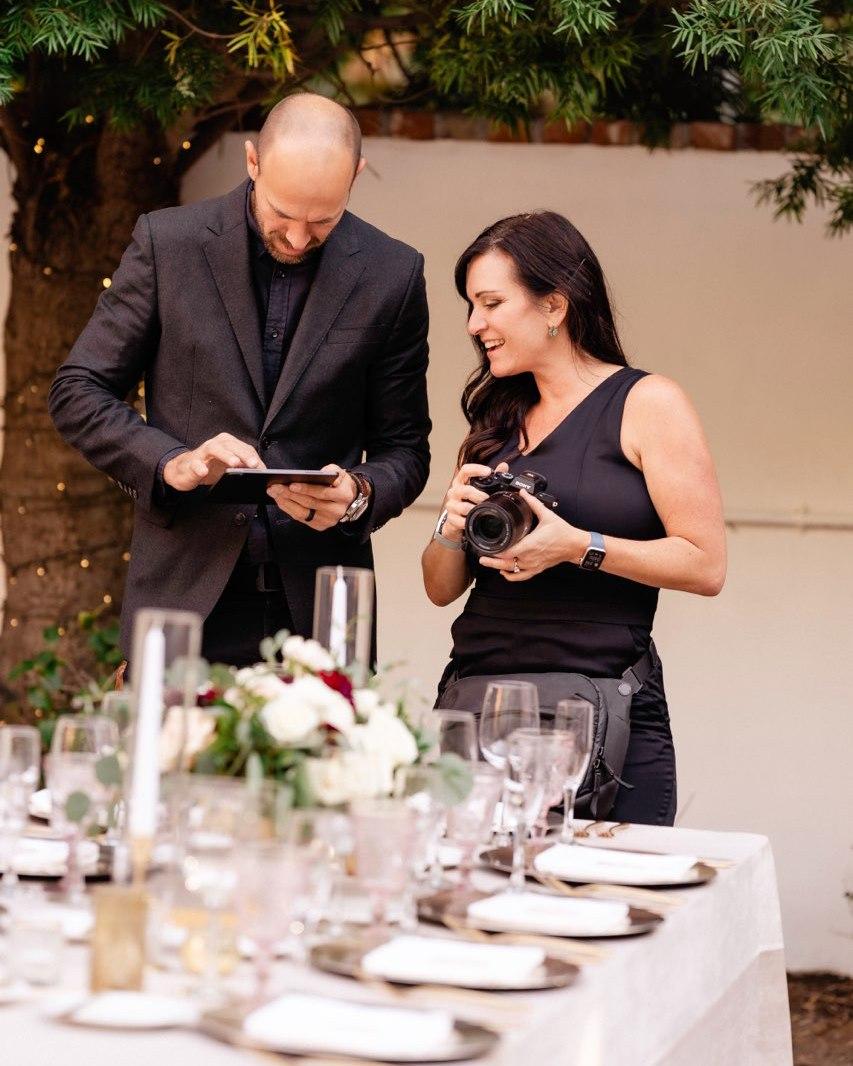 Sara France coordinating with a vendor at a wedding venue